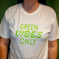 GREEN VIBES ONLY T-Shirt